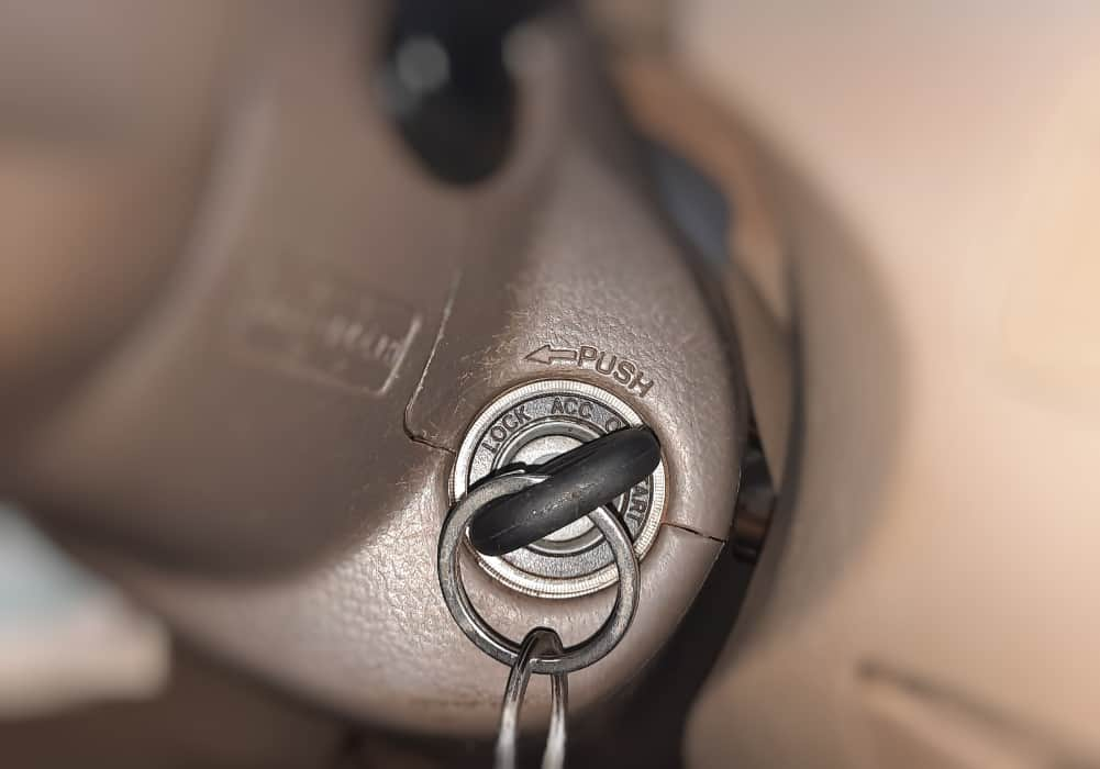 How long a car's battery lasts with ignition set to ON position